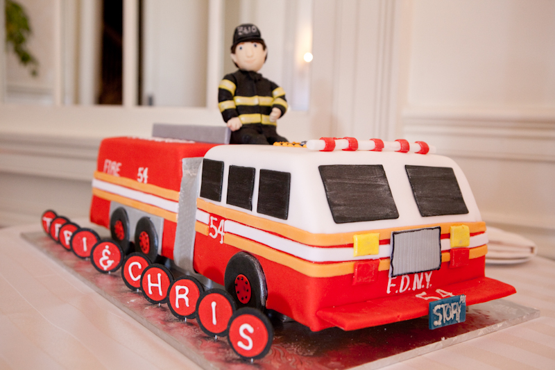 Sweet-Ladies-Bakery-Fire-Truck-grooms-cake