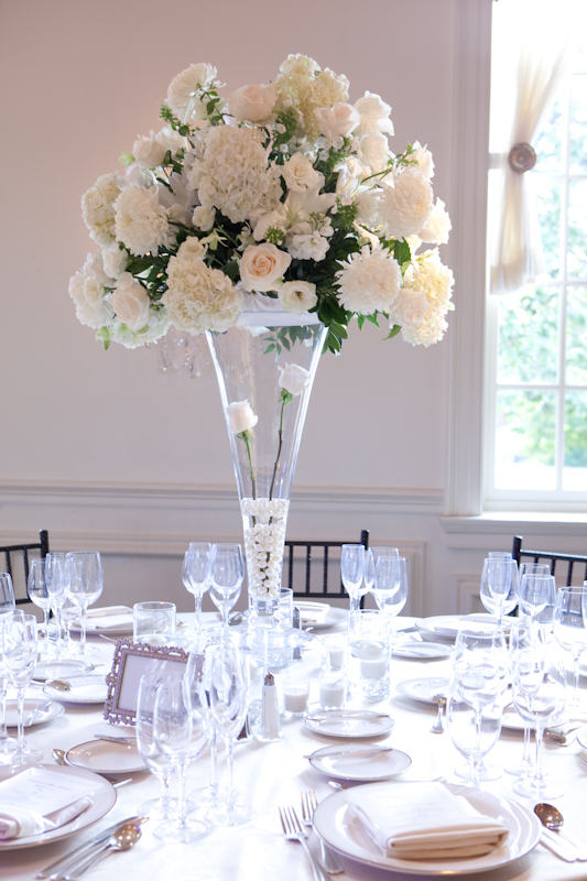 tall-white-champagne-centerpiece