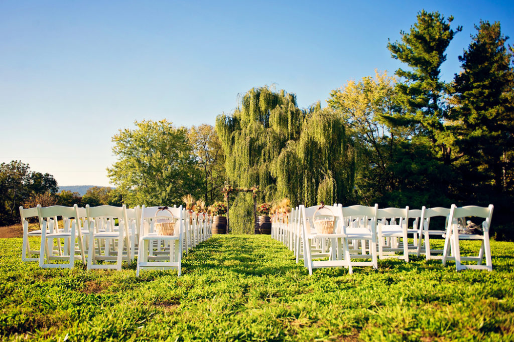 sunset-hills-vineyard-wedding-ceremony-outdoor