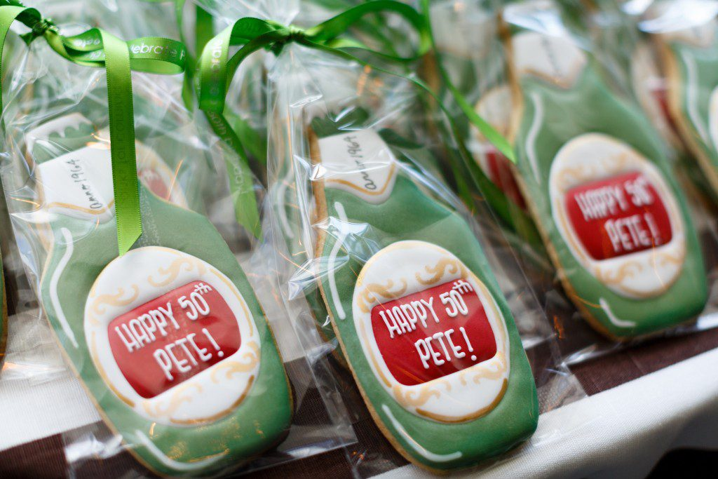 party-favor-cookie-beer-bottle