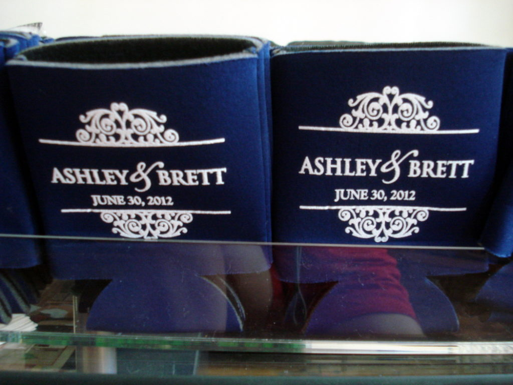 navy-blue-white-preppy-wedding-koozie-favor