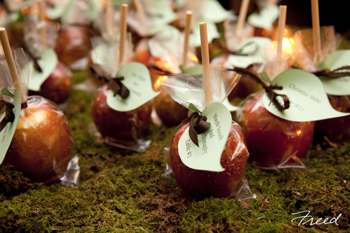 caramelized-apples-fall-wedding-favors