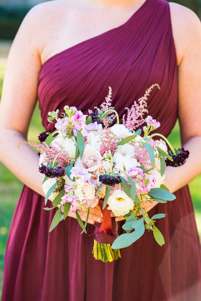 bridesmaids-bouquet-pink-ivory-roses-dahlia-lisianthus-stock-astilbe-burgundy-scabiosa-petals-edge