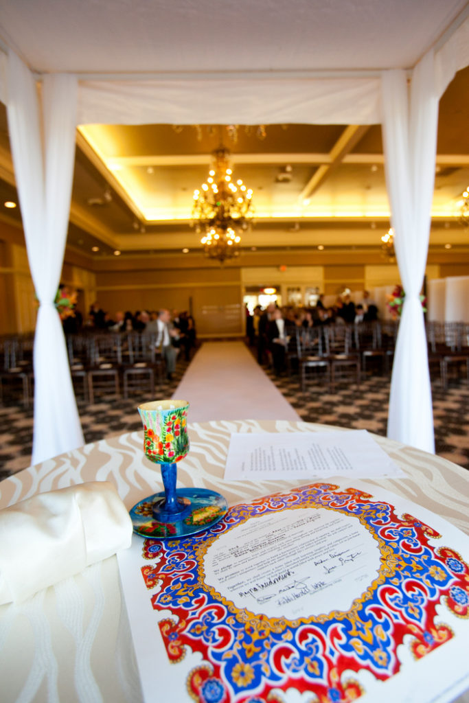 ketubah-red-blue-gold-round-center