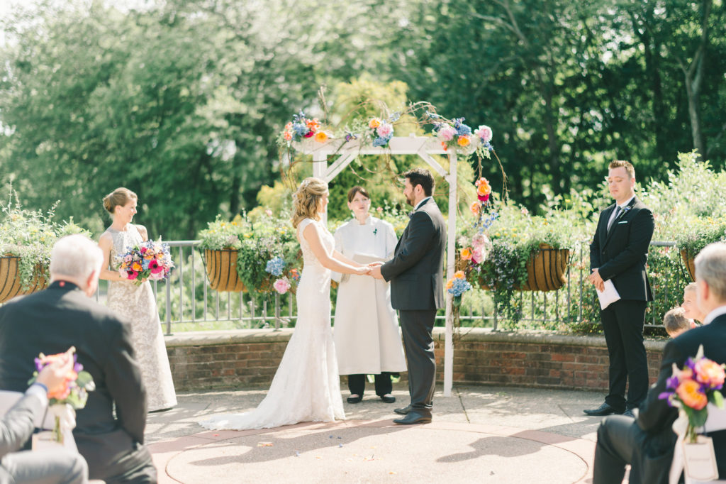 meadowlark-botanical-gardens-wedding-terrace-arch