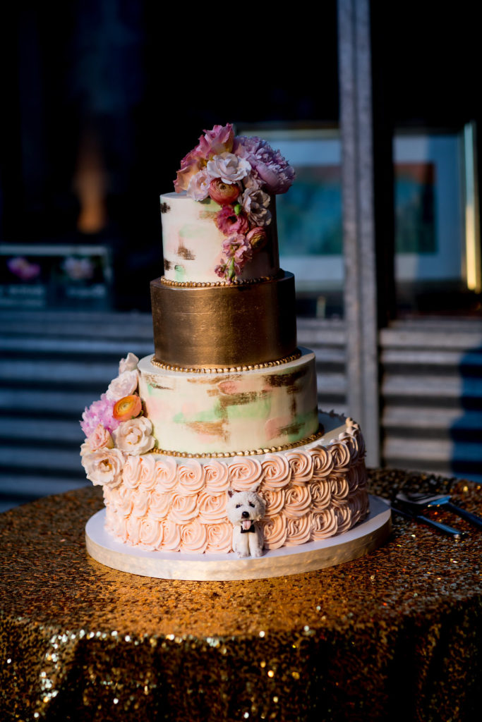gold-green-pink-wedding-cake-fluffy-thoughts-dog