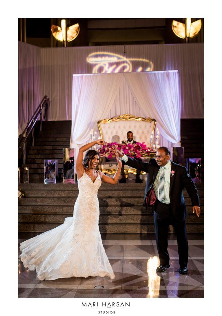 ronald-reagan-building-wedding-atrium-father-daughter-dance