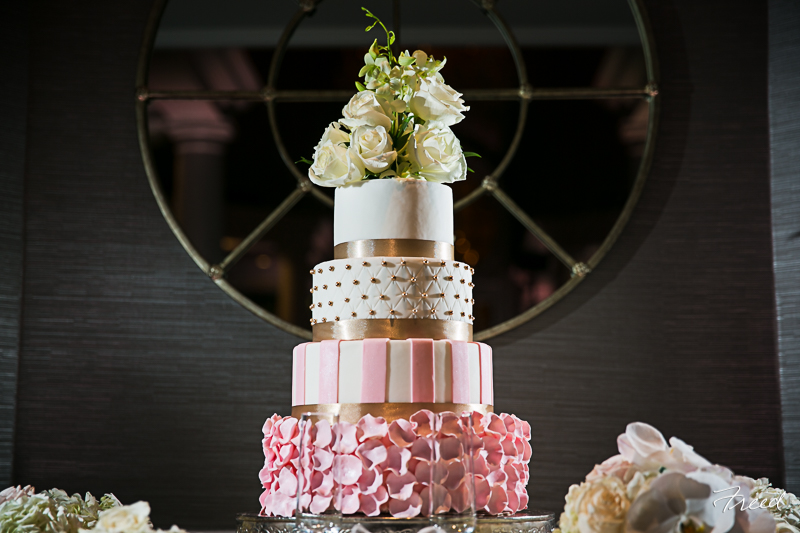 fairmont-hotel-washington-dc-wedding-cake-round-foundant-pink-gold