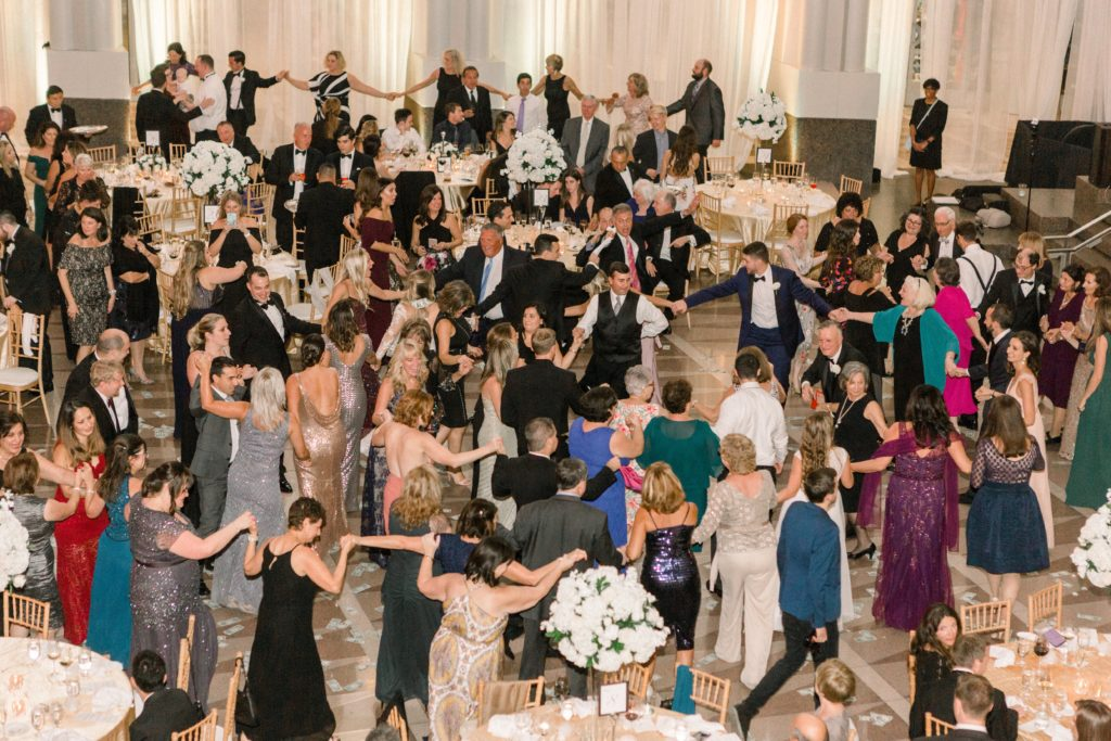 ronald-reagan-building-atrium-wedding-greek-dances