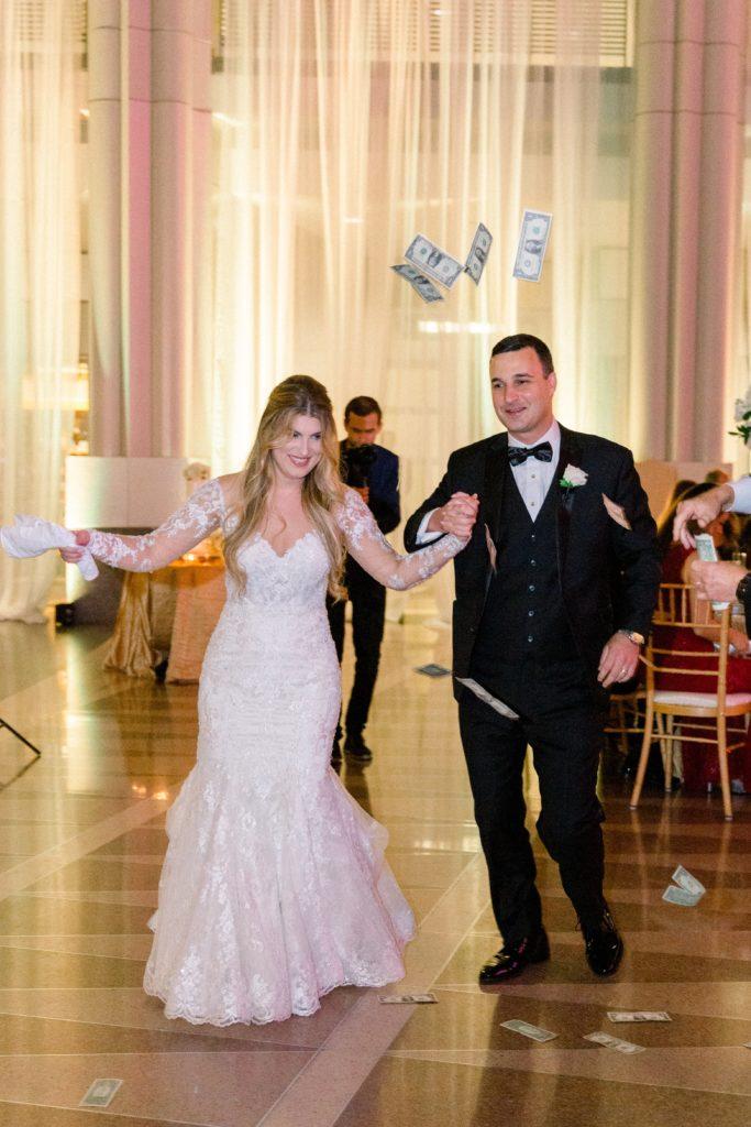 wedding-greek-dance-bride