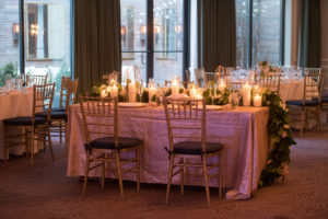 sweetheart_table_pink_garland