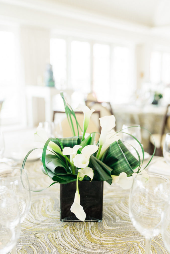 black-white-green-modern-abstract-floral-centerpiece
