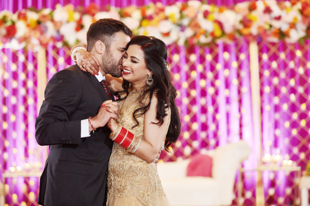 lansdowne_resort_indian_wedding_gold_magenta