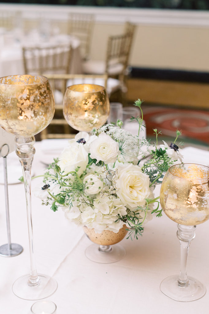 gold-white-low-floral-centerpiece