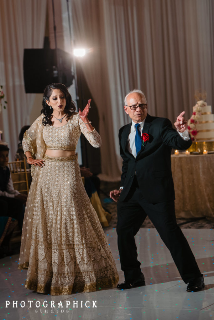 indian-wedding-fun-father-daughter-dance