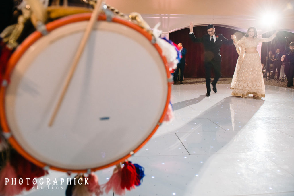 indian-wedding-grand-entrance-dhol