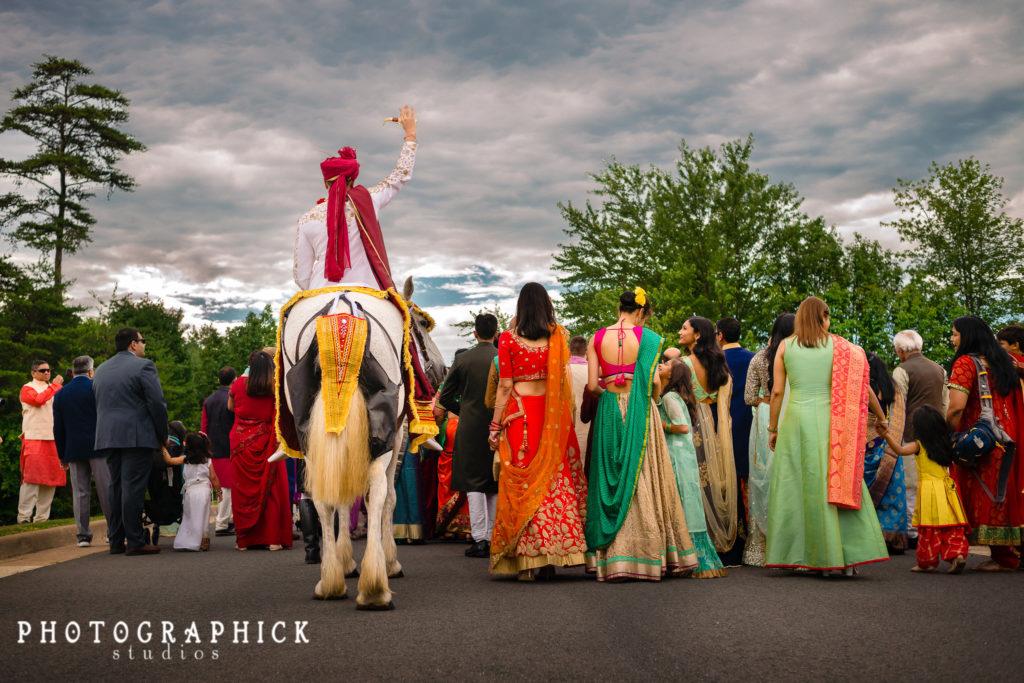 indian-wedding-gujarati-baraat