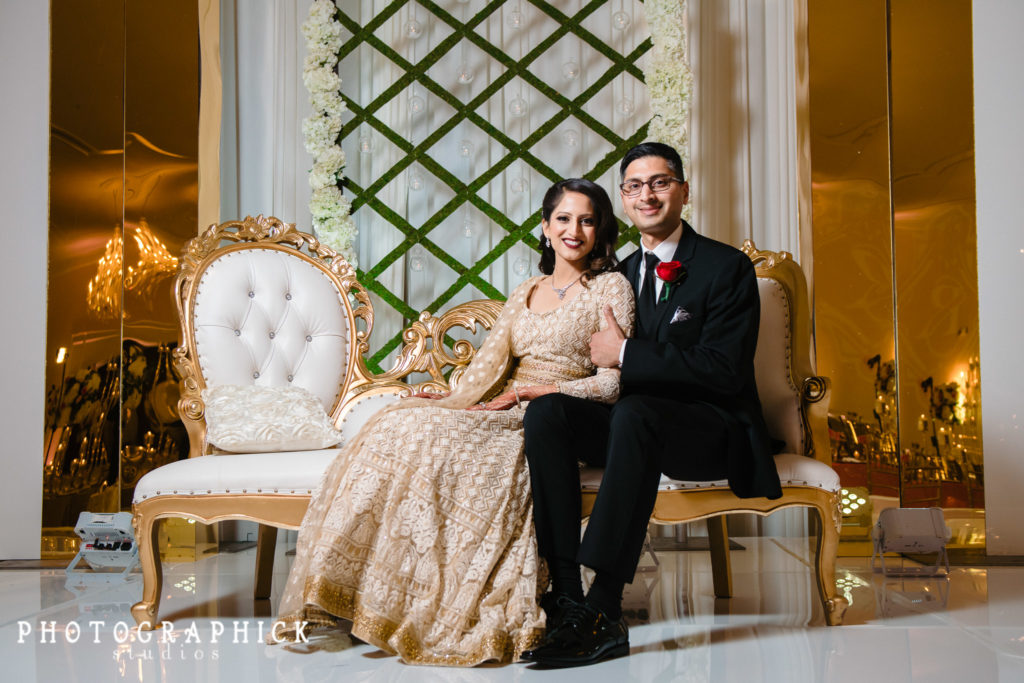 indian-wedding-gujarati-reception-gold-ivory