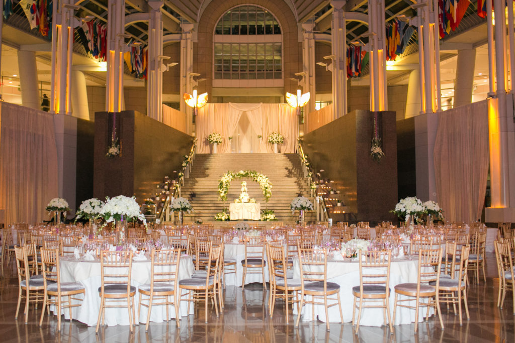 ronald_reagan_building_atrium_wedding_white